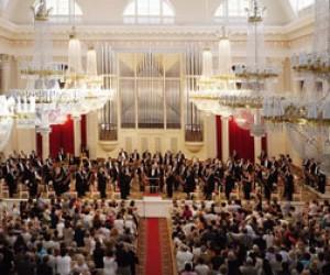 «Шехерезаду» Римского-Корсакова и «Моцартиану» Чайковского исполнят в Большом зале филармонии