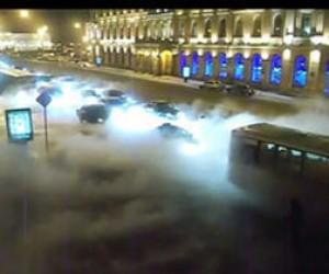 На площади Труда прорвало трубу….снова