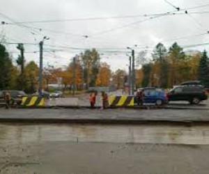 Ремонт трамвайных путей на проспекте Испытателей