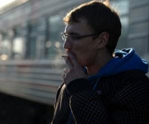На вокзалах Петербурга активно штрафуют курильщиков