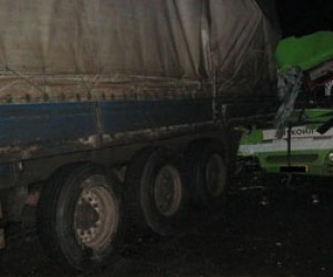 Маршрутное такси влетело в грузовую фуру