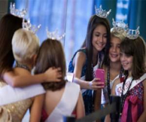 Депутаты могут запретить детские конкурсы красоты в Петербурге