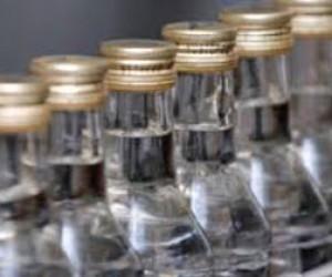На складах Петербурга хранят нелегальный алкоголь