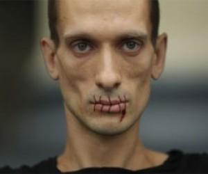 Скандальный питерский художник поддержал Майдан