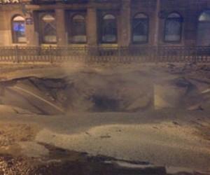 В Петербурге опять прорвало трубу