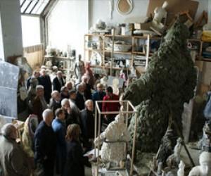 Сегодня открыли памятник Трезини
