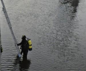 Питерские водолазы ищут пропавших мальчиков