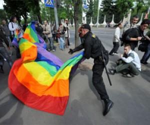 Питерский суд не стал назначать штрафы за оскорбления гомосексуалов