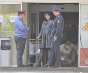 В супермаркете стрелял пьяный судебный пристав