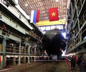 Торжественный спуск на воду вьетнамской подлодки «Кханьхоа»