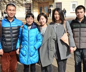 Китайские студенты занимались незаконным туризмом