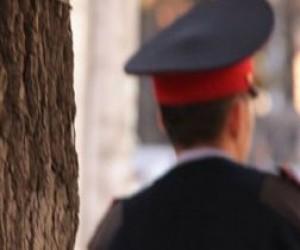 Питерские хулиганы напали на полицейского с молотком