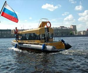 В Питере уже открылась навигация по Неве