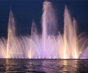 В Петербурге может снова появиться плавучий фонтан