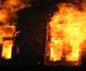 На улице Бабушкина заживо сгорели двое
