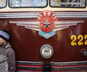 Трамваи военных лет на улицах Петербурга