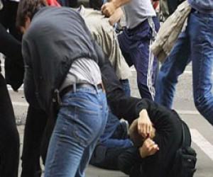 Массовая драка мигрантов на Комсомольской площади