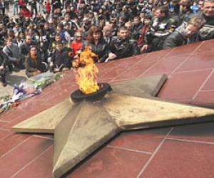 В Петербург из Владивостока отправилась частица Вечного огня