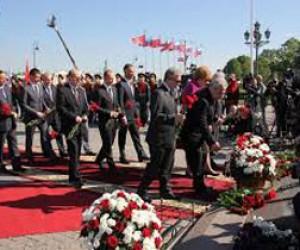 Сегодня пройдёт возложение цветов к памятнику Петра