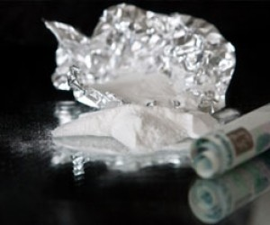 Двух жителей Петербурга задержали за незаконное хранение наркотиков