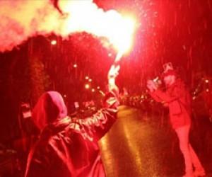 Генконсульство Латвии в Петербурге закидали файерами нацболы