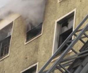 Пожар на Среднеохтинском: пострадала женщина