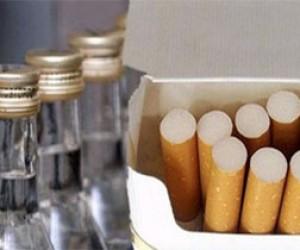 Подростки украли из киосков еду и сигареты