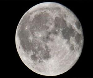 Над Петербургом взойдет гигантская Луна