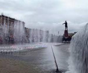 Фонтанный комплекс на Московской площади снова открыт