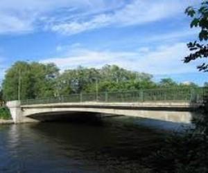 Через Ждановку хотят перекинуть пешеходный мост