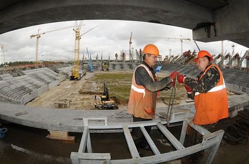 Строители нового стадиона на Крестовском продолжают бастовать