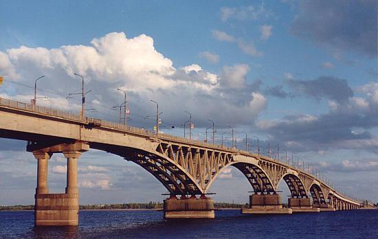 Необычный мост открыли в Петербурге