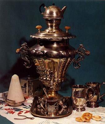 Петербуржцев зовут на чай у самовара