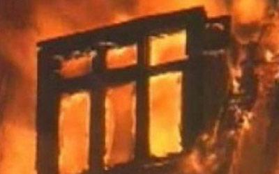 В Петербурге в результате пожара пожилая женщина отравилась угарным газом
