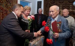 В День Победы ветеранам подарят пледы