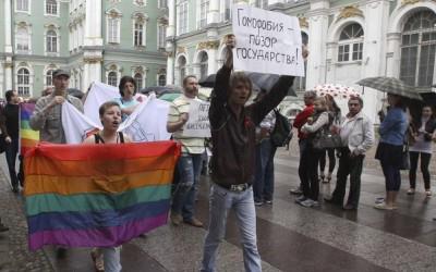 Гей-сообщество призывает запретить въезд в Европу Георгию Полтавченко и депутату Виталию Милонову