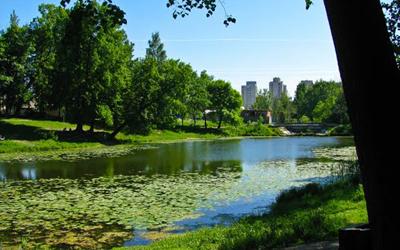 Новым скверам и мостам Петербурга даны названия