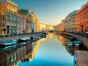 Петербург остался без ночных прогулок по Неве