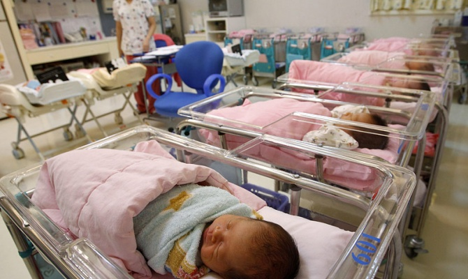 В Петербурге рождаемость превышает смертность